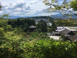 銀閣寺の庭からの眺め