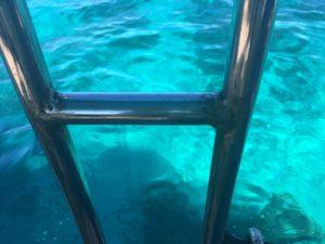 西表島 体験ダイビング 底がプールのような青さ