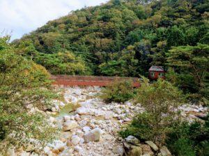 朝明渓谷 キレイな河原