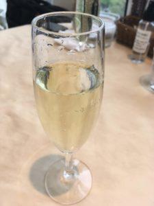 サービスのシャンパン