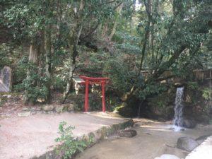 池と厳島社