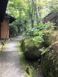 山みず木 館内の道